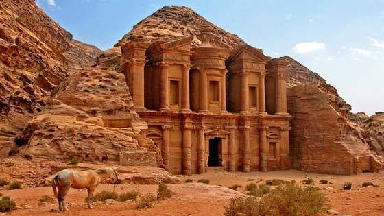 Petra & Wadi Rum 2 Days Tour (with flights)